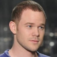 Steve Jinks played by Aaron Ashmore