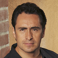 Esteban Reyes played by Demián Bichir