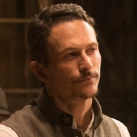 Major Craddock played by Jonathan Tucker