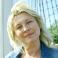 Amanda Redman played by Amanda Redman