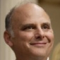 Elliot Thogmorton played by Kurt Fuller