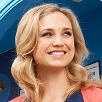 Jenna played by Fiona Gubelmann
