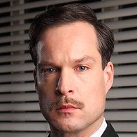 Chief Inspector Roger Nelson played by John Light