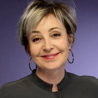 Meemaw played by Annie Potts