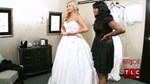 03x15 - Say No to the Ball Gown