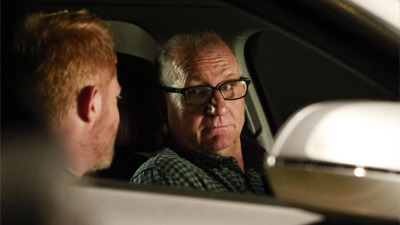 Modern Family - 07x03 The Closet Case
