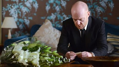 EastEnders (UK) - 31x18 Series 31, Episode 18