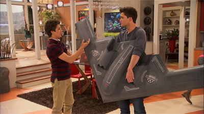 Lab Rats - 01x13 Drone Alone