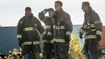 Chicago Fire - 04x09 Short and Fat