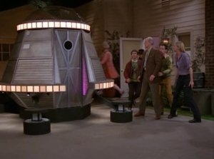 3rd Rock from the Sun - 06x20 The Thing That Wouldn't Die (2) Screenshot