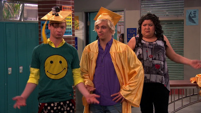 Austin & Ally - 04x17 Cap and Gown & Can't Be Found