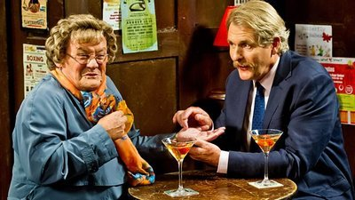 Mrs. Brown's Boys (IRL) - 03x13 New Year Special 2016 - Mammy's Widow's Memories