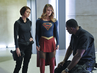 Supergirl - 01x11 Strange Visitor From Another Planet