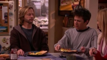 8 Simple Rules - 02x11 Get Real
