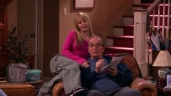 8 Simple Rules - 02x16 Daddy's Girl