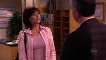8 Simple Rules - 02x22 The Principal