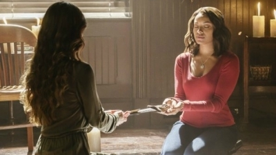 The Vampire Diaries - 07x12 Postcards from the Edge