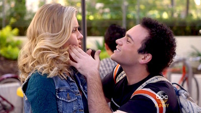 The Goldbergs - 03x14 Lainey Loves Lionel