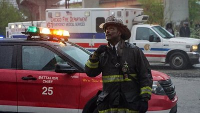 Chicago Fire - 04x23 Superhero Screenshot