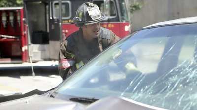 Chicago Fire - 05x02 A Real Wake-Up Call Screenshot