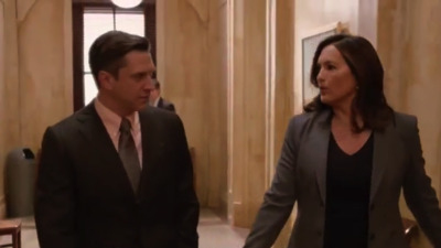 Law & Order: Special Victims Unit - 18x09 Decline and Fall