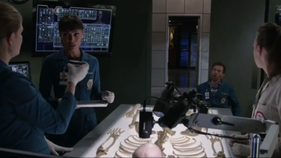 Bones - 12x02 The Brain in the Bot