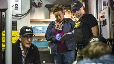 NCIS: New Orleans - 03x10 Follow the Money
