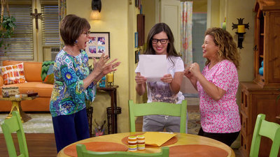 One Day at a Time (2017) - 01x09 Viva Cuba