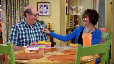 One Day at a Time (2017) - 01x07 Hold, Please