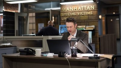 Law & Order: Special Victims Unit - 18x15 Know It All