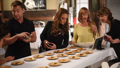 My Kitchen Rules (US) - 01x06 Leah Remini Gets Artsy