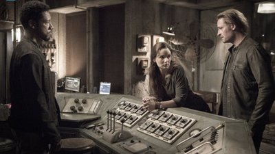 Colony - 02x10 The Garden of Beasts