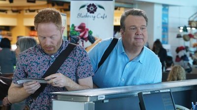 Modern Family - 08x18 Five Minutes