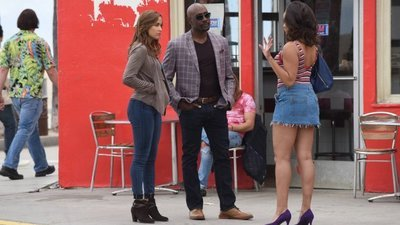 Rosewood - 02x21 Amparo & the American Dream