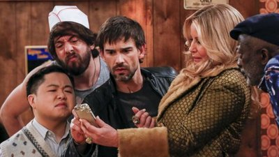 2 Broke Girls - 06x21 And the Rock Me on the Dais