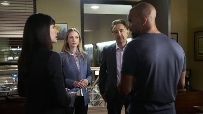 Criminal Minds - 12x22 Red Light