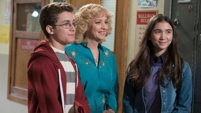 The Goldbergs - 04x23 Best Handsome