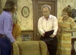 All in the Family - 03x05 Lionel Steps Out