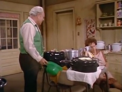 All in the Family - 09x27 Too Good Edith Screenshot