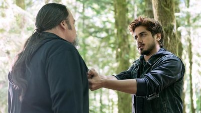 Ghost Wars - 01x08 Two Graves