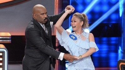 Celebrity Family Feud (2015) - 03x10 Dancing with the Stars vs Shark Tank and Cynthia Bailey vs Kandi Burruss-Tucker Screenshot