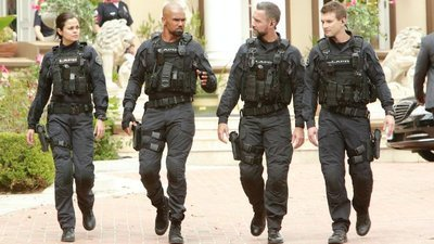 S.W.A.T. (2017) - 01x05 Imposters