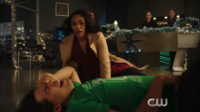The Flash (2014) - 04x09 Don't Run