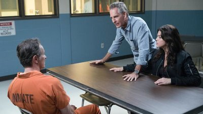 NCIS: New Orleans - 04x10 Mirror, Mirror