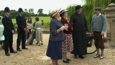 Father Brown (UK) - 06x09 The Flower Of The Fairway