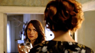 Wynonna Earp - 03x01 Blood Red and Going Down