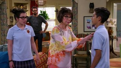 One Day at a Time (2017) - 02x01 The Turn