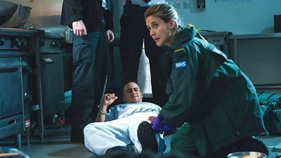 Casualty (UK) - 32x28 Series 32, Episode 28 Screenshot