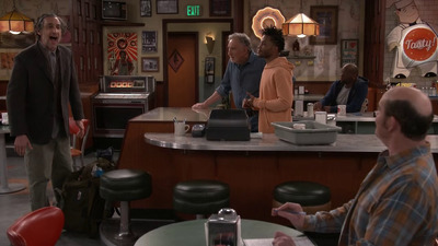 Superior Donuts - 02x21 Donut Day Afternoon Screenshot
