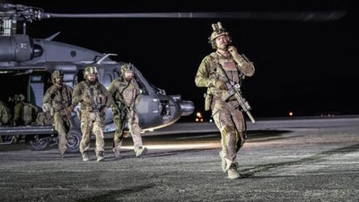 Seal Team - 01x22 The Cost of Doing Business Screenshot